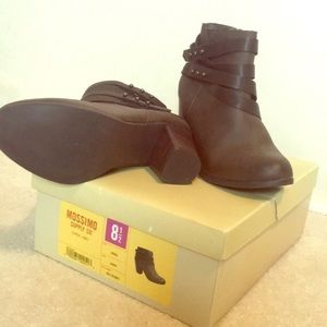 Ankle booties brown 8.5
